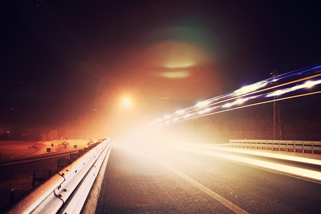¿Por qué es importante conocer las luces de nuestro vehículo, cuándo debemos utilizarlas?
