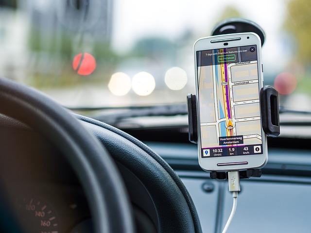 Conoce las mejores aplicaciones de coche para móviles – Conéctate al mundo de internet en tu vehículo de forma segura